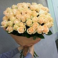 Букет с кремовыми розами